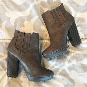 Candie's Brown High Heeled Boots Size 8